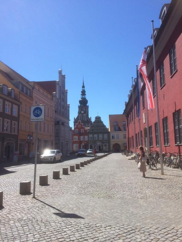 Rådhuset og kirken